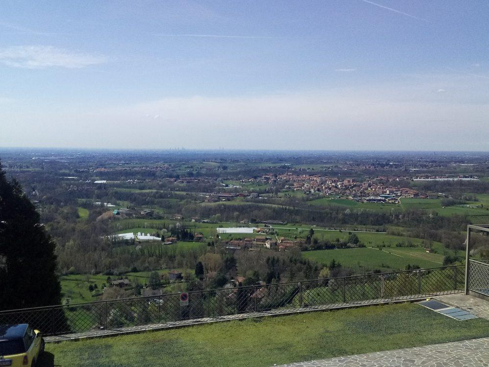 Panorama di Milano visto dalla collina di Montevecchia