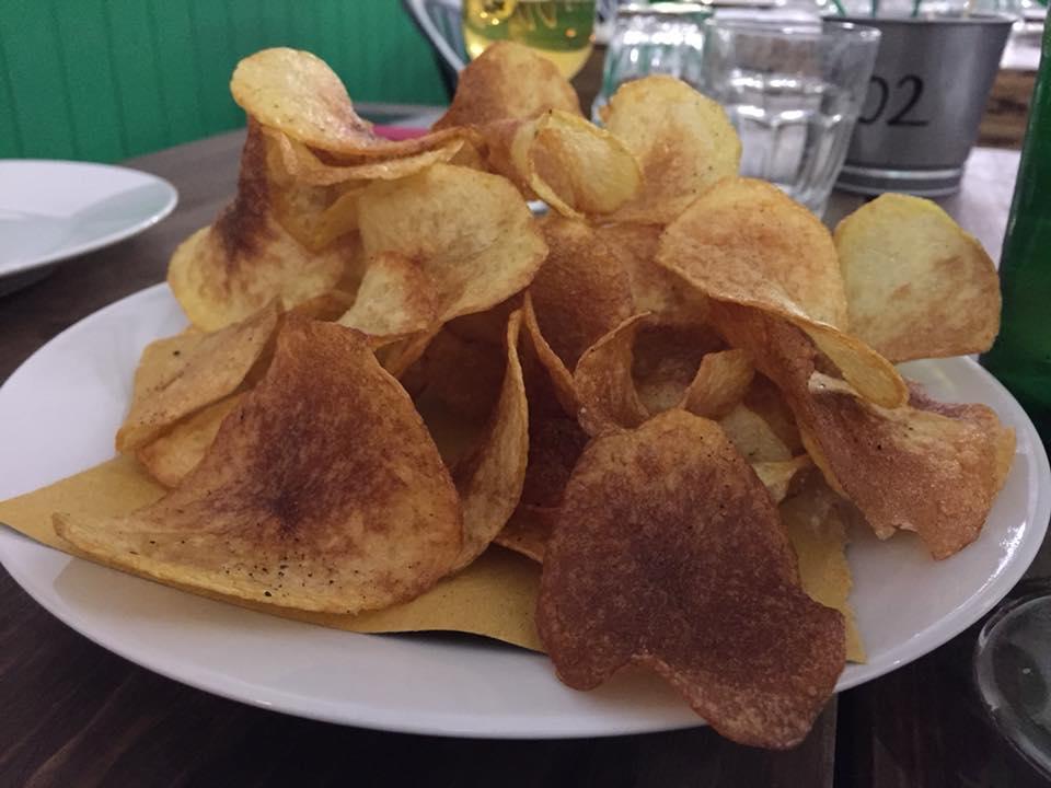 Pizzeria Frontoni, chips sale e pepe