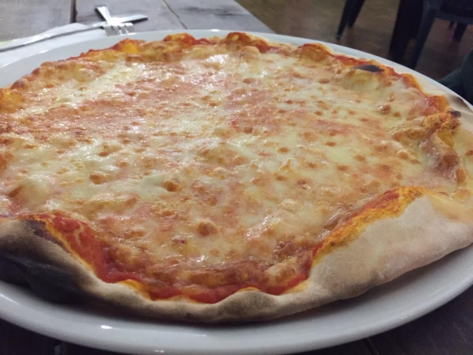 Pizzeria Frontoni, la margherita