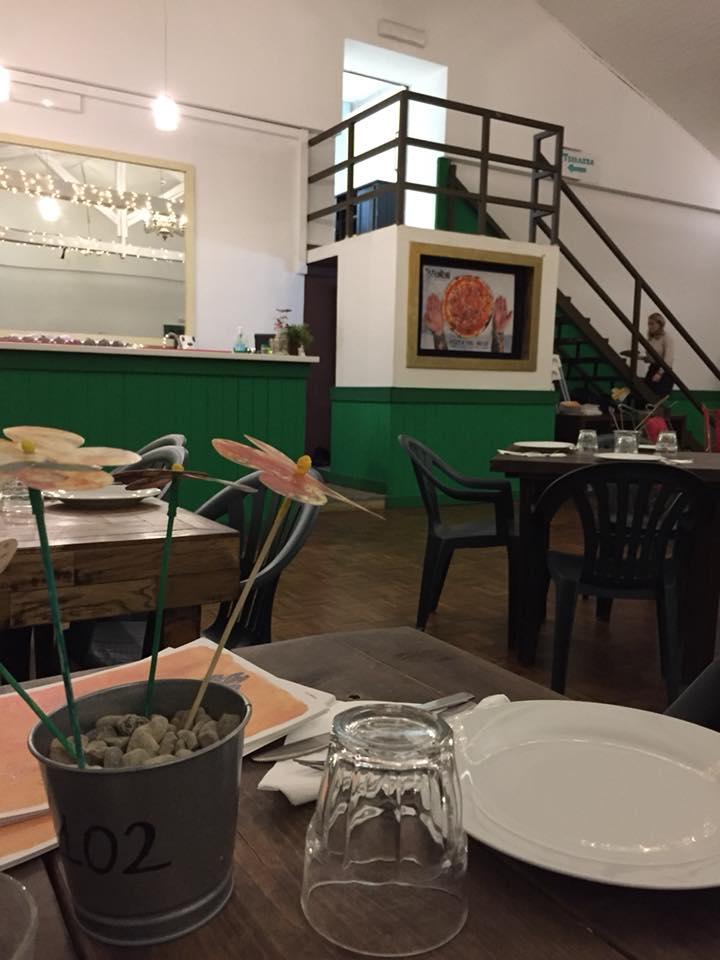 Pizzeria Frontoni, scorcio della sala