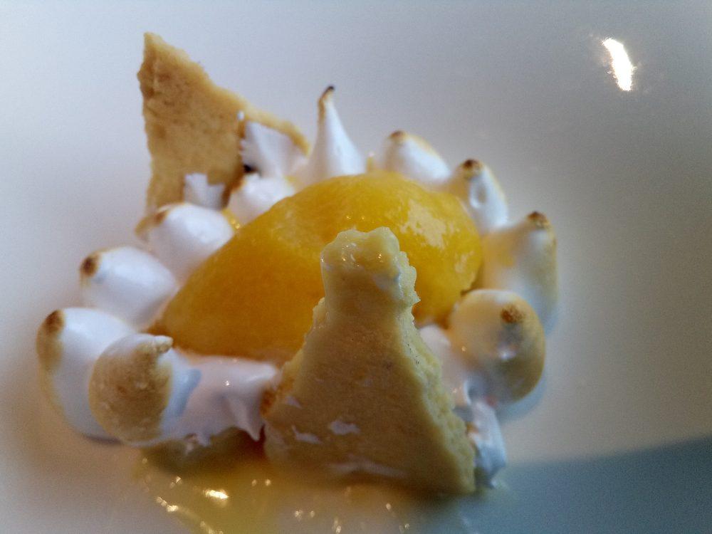 Ristorante Alice, Curd al limone con meringa all'italiana bruciata con macedonia e gelato di frutta esotica