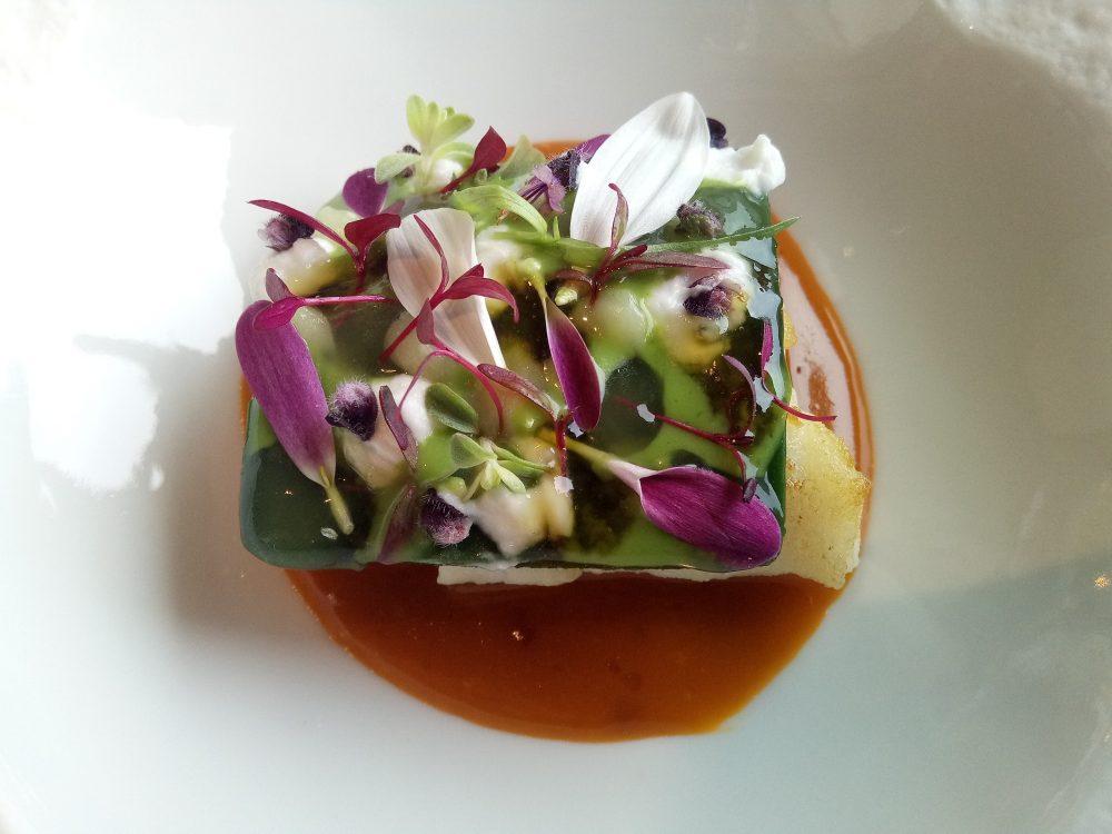 Ristorante Alice, Merluzzo nero sui estrazione concentrata di zuppa di pesce, plancton, limone ed erbe