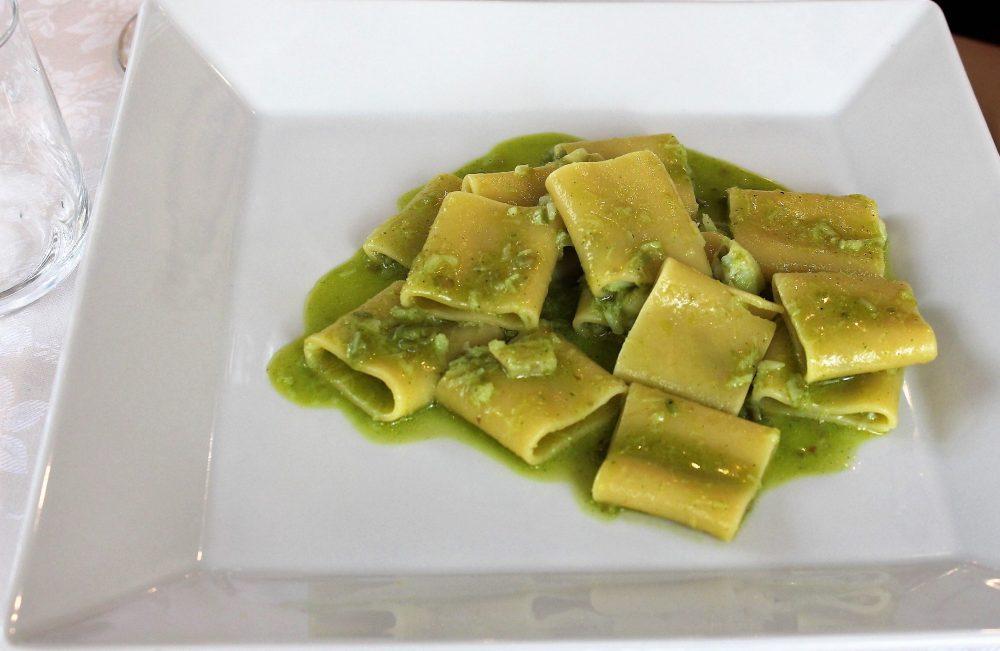 Giulio Restaurant mezzi paccheri con ragout bianco di baccala'