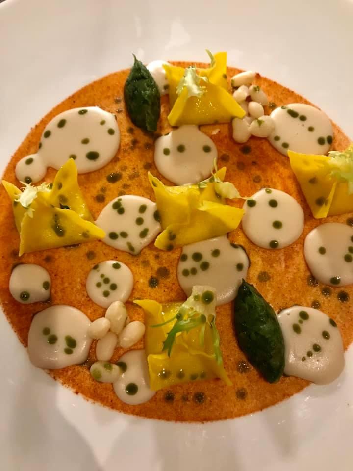 I Portici, tortelli di parmigiano 36 mesi, fagioli cannellini, scarola e peperoni cruschi