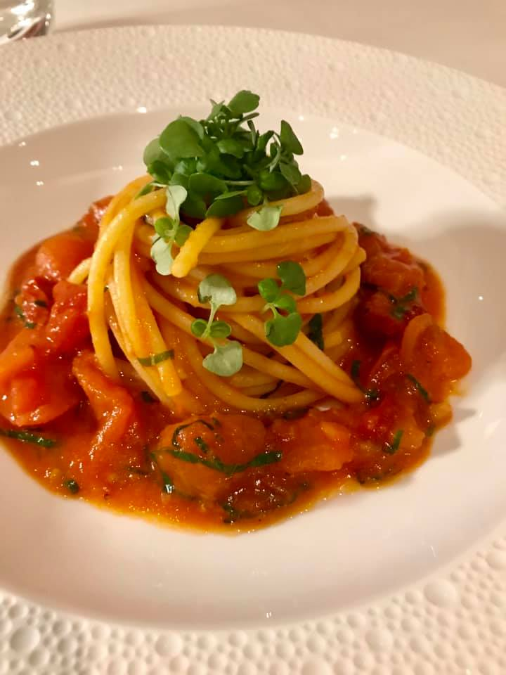 I Portici, spaghetto ai cinque pomodori. Omaggio a Nino Di Costanzo