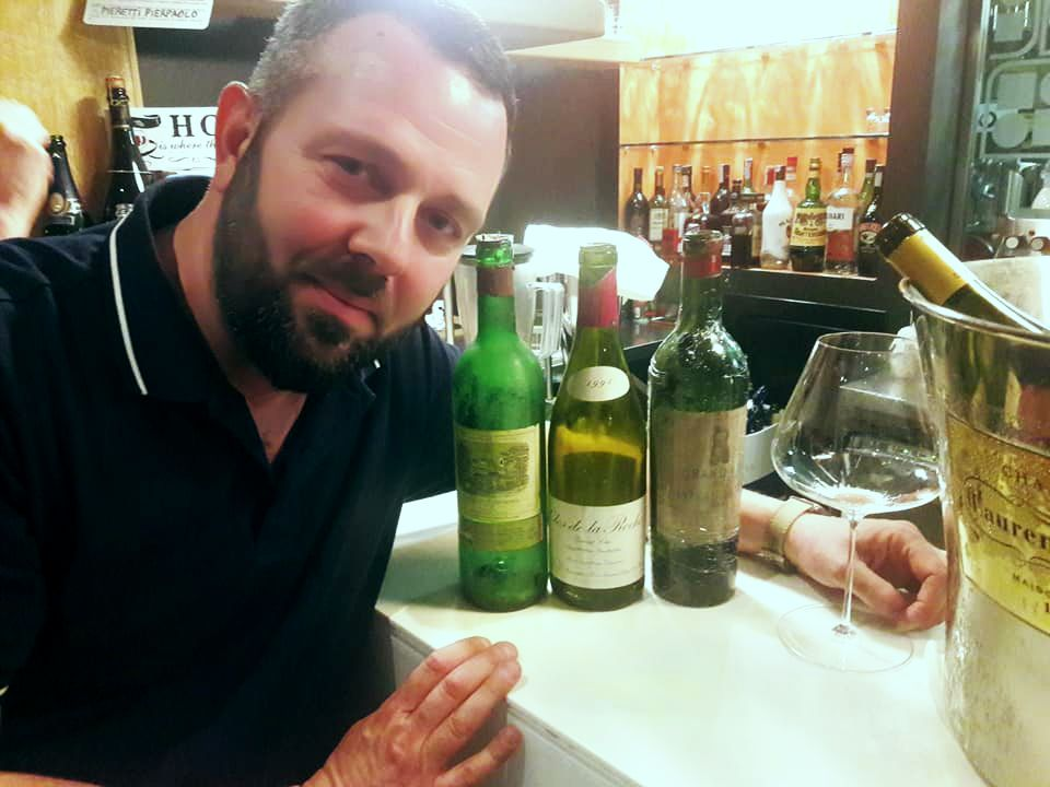 Beppe Pieretti e le sue meravigliose bottiglie