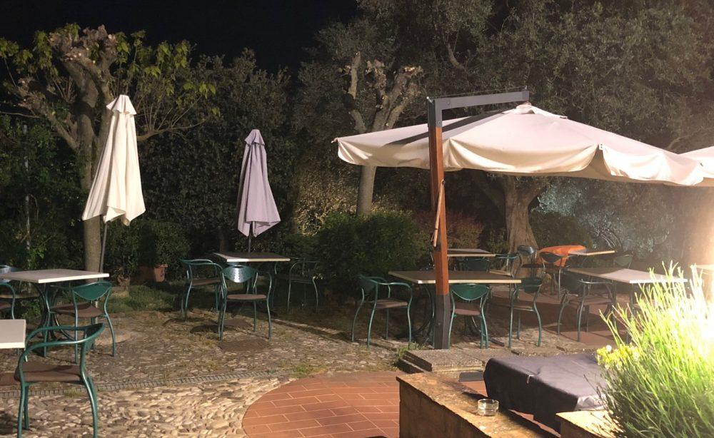 La Canonica, esterno notte