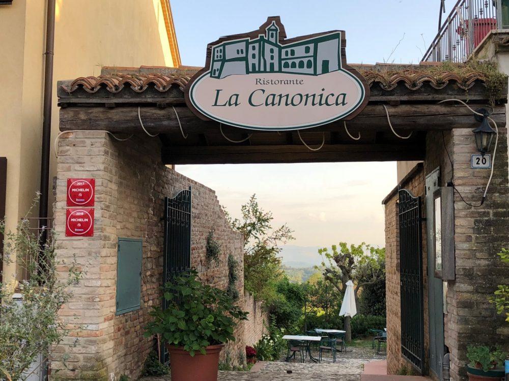 La Canonica, ingresso