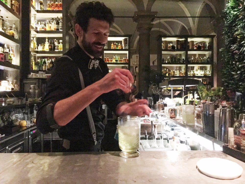 Locale - il bartender Matteo Di Ianne