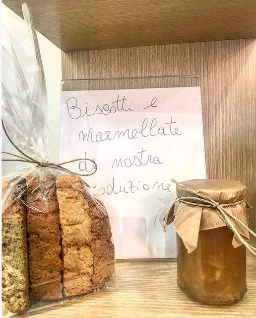 Pastificio Golino - Biscotti e marmellate di produzione propria