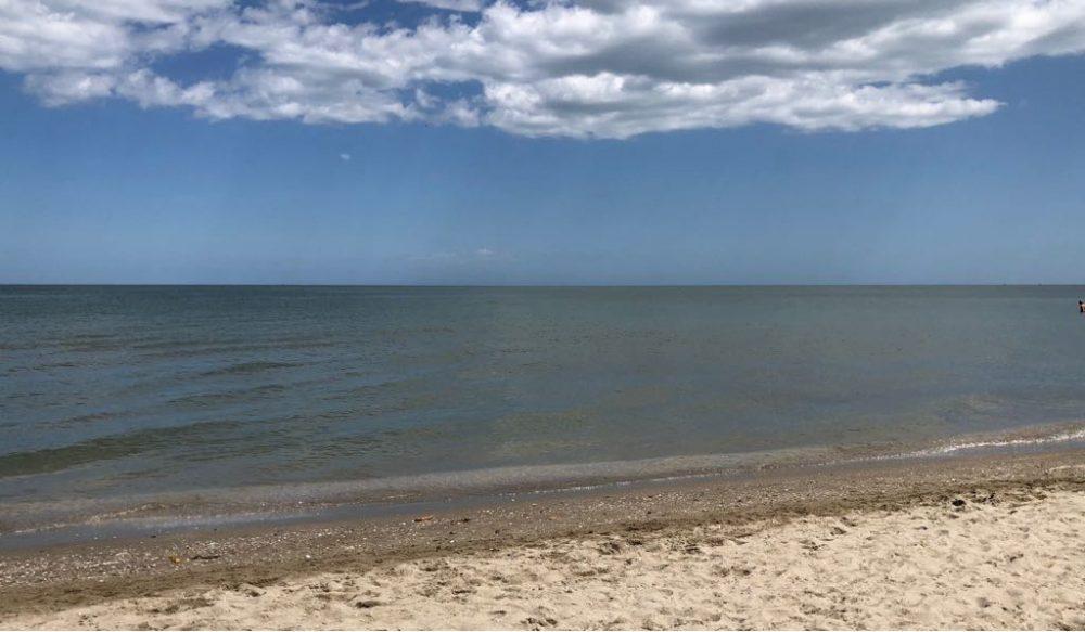 Riccione, la spiaggia in versione Primavera quasi Estate