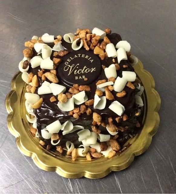 Victor Bar - Torta gelato al cioccolato di Bronte