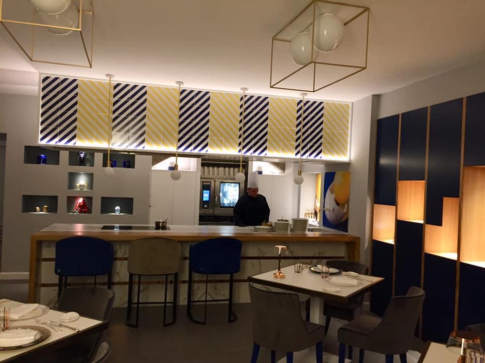 Il Buco a Sorrento, la cucina a vista della nuova sala