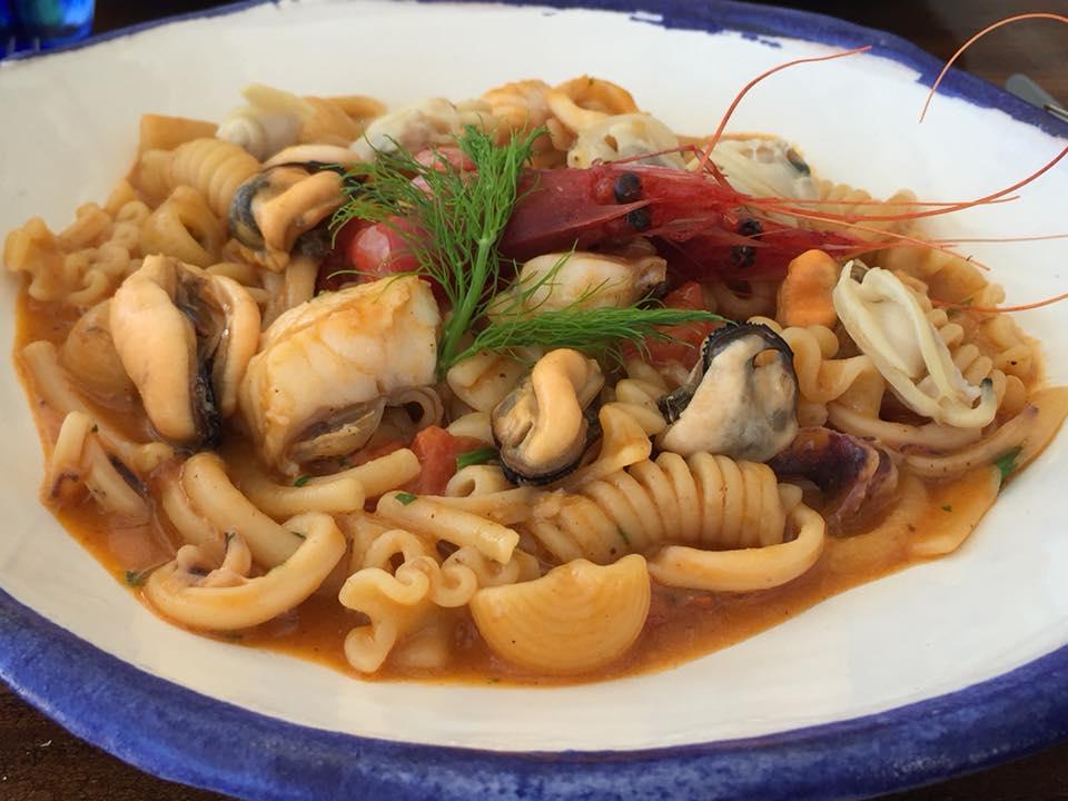 Marina Grande, pasta mista in zuppa di pesce
