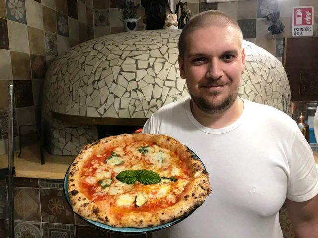 Da Alfredo il pizzaiolo Domenico De Novellis