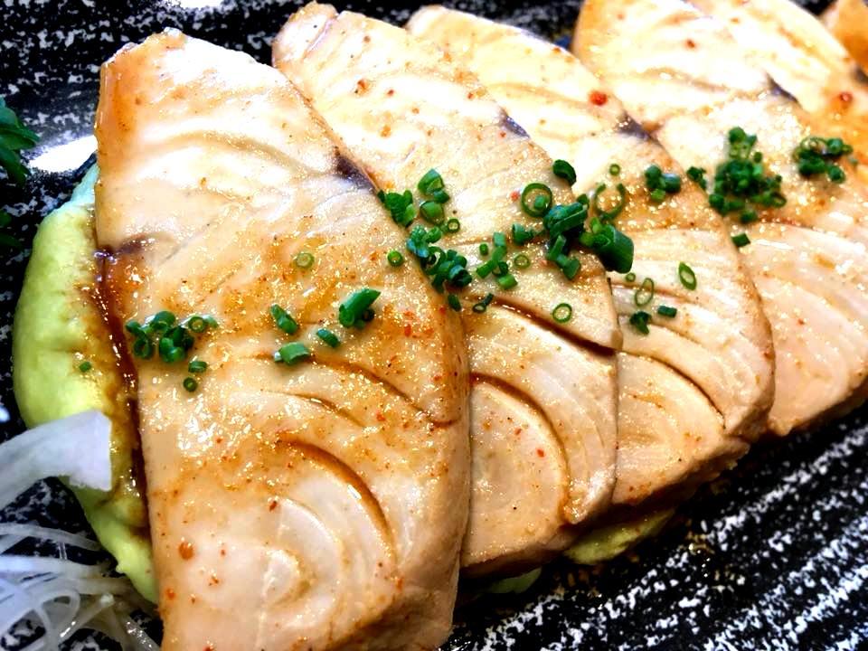 Misaki Sushi - Tataki di Ricciola & Purea di Edamame
