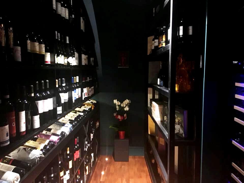 Habitue' - Vin & Cusine - La Cantina