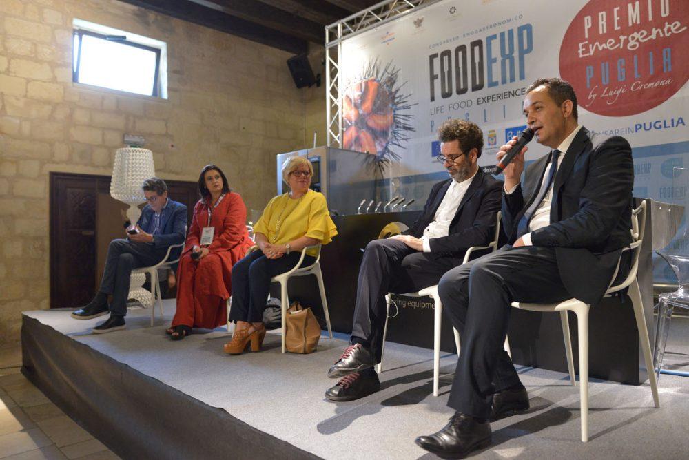 FoodExp da sx Luigi Cremona, Lorenza Vitali, Loredana Capone, Carlo Salvemini e Giovanni Pizzolante