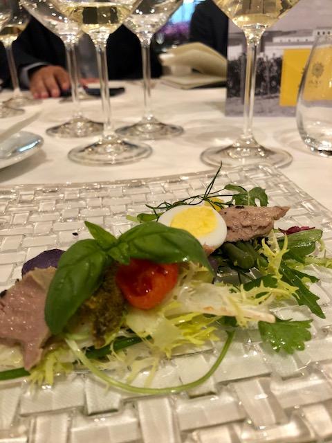I bianchi di Assuli perfetti anche con un'aromatica insalata nizzarda