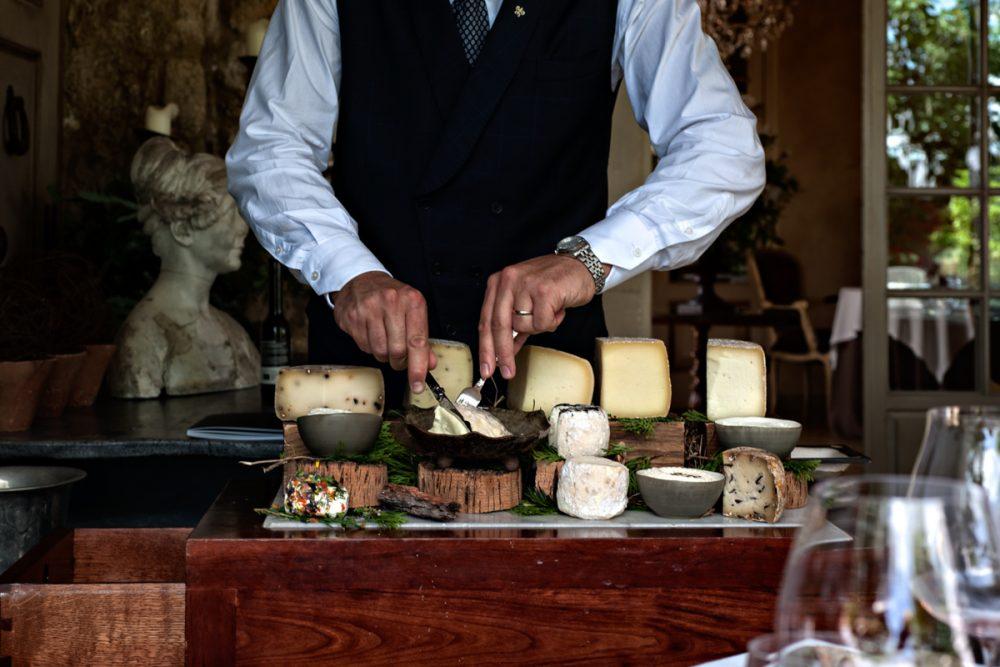 Meo Modo - Il carello dei formaggi fatti in azienda