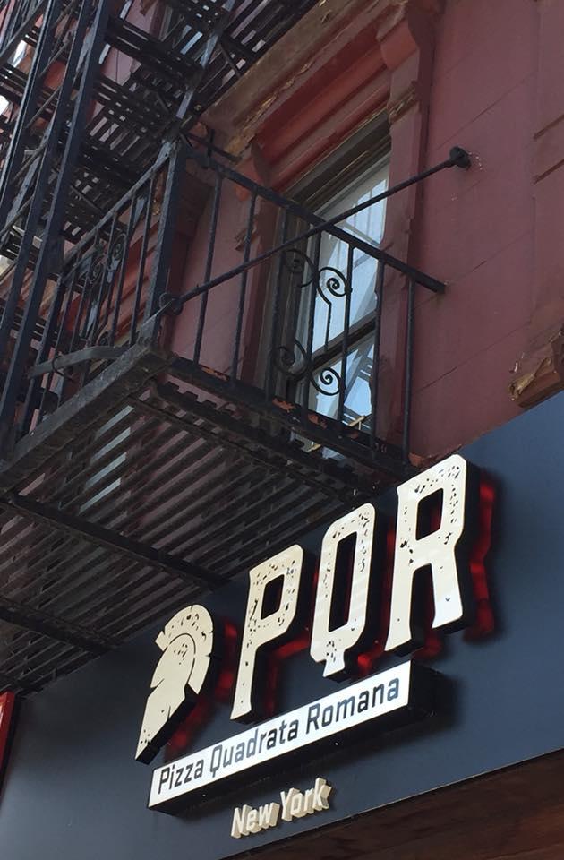 PQR New York, l'insegna