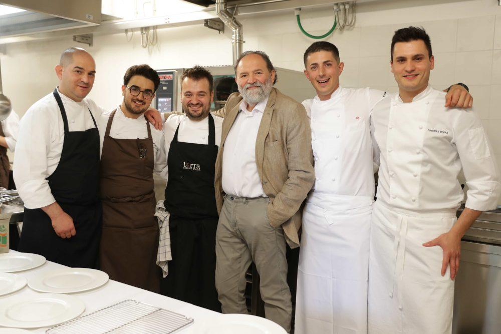 da sin gli chef Damiano Nigro, Paquale Laera, Giovanni Navigli, Luciano Tona, Michelangelo Mammoliti e Gabriele Boffa