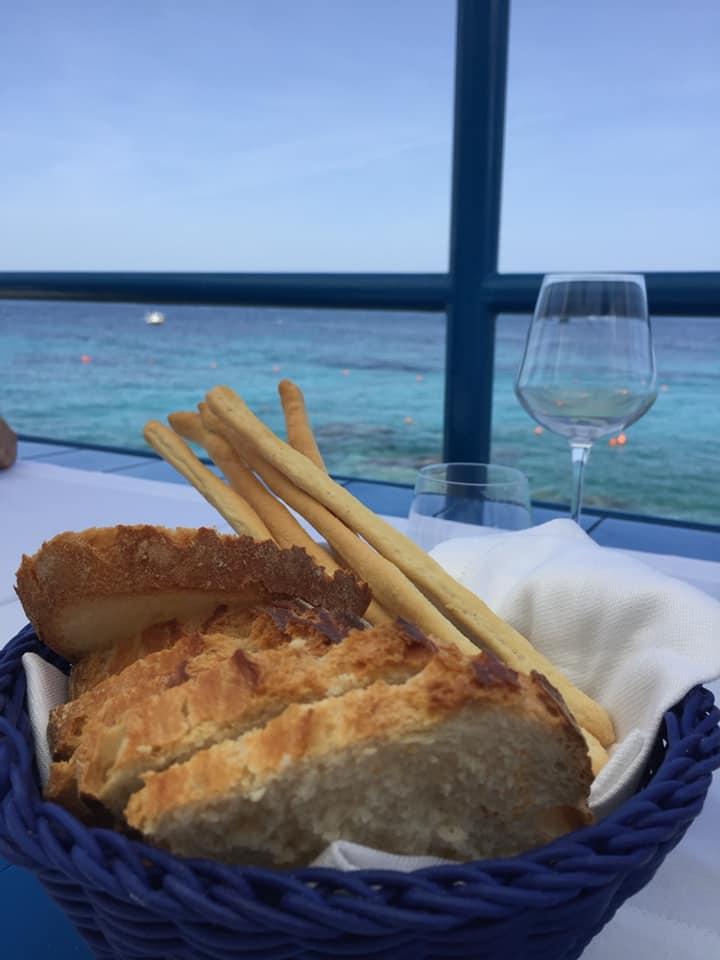 Da Gemma a Capri, pane e grissini