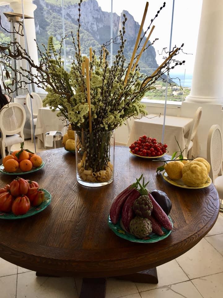 Mamma' a Capri, il tavolo all'ingresso