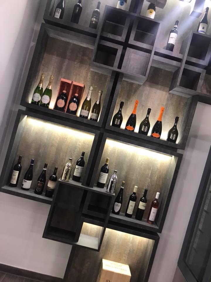 Pizzeria Carlo Sammarco 2.0, esposizione vini