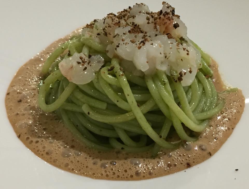 Arbustico, spaghetti al verde con crema di cozze e lardo