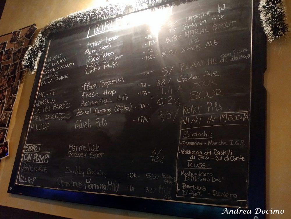Barley Wine, Roma. La lavagna con le birre