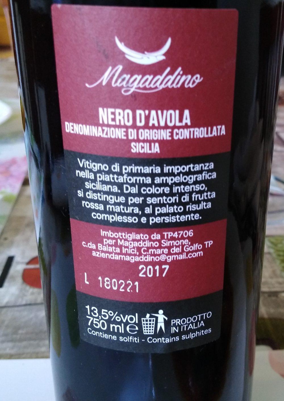 Controetichetta Nero d'Avola Sicilia Doc 2017 Magaddino