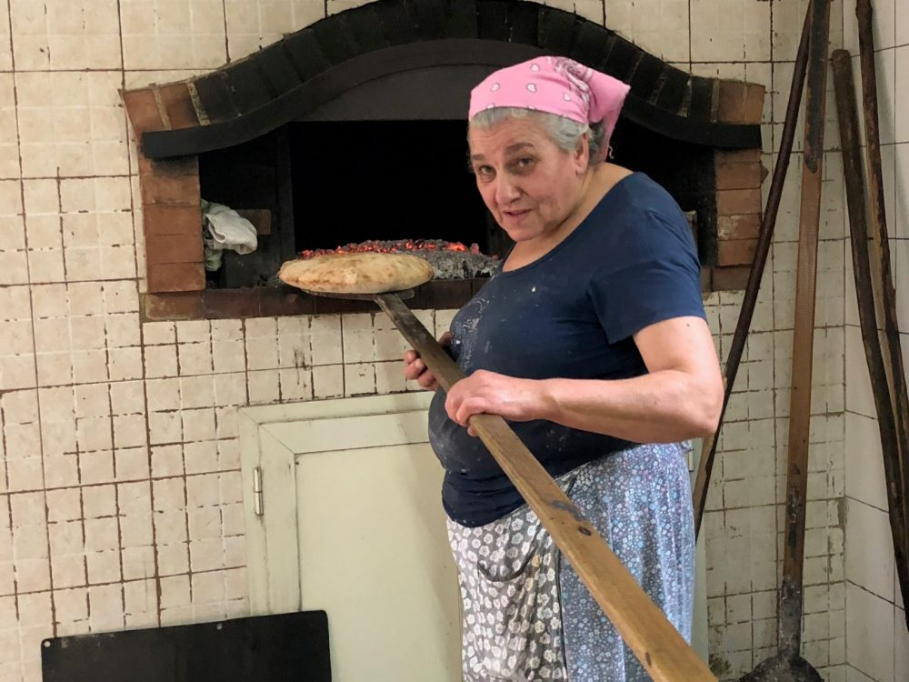 Donna Cilentana con pala