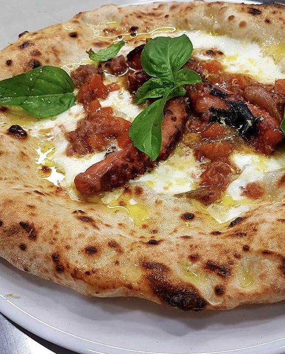 Duecento Grammi - Pizza La Genovese di polpo