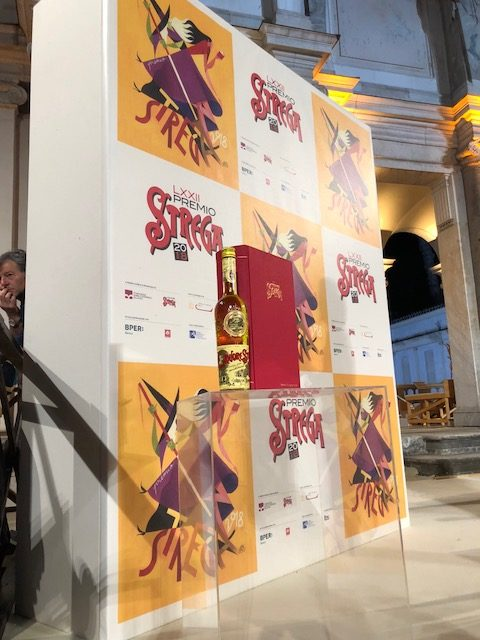 Il liquore Strega Alberti promotore del Premio Letterario e del Premio Strega Mixology
