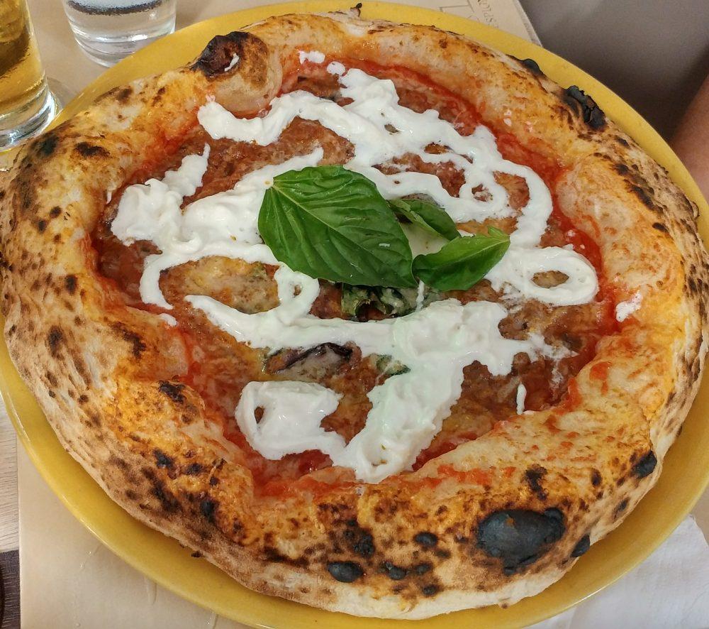 La Pizza con la Parmigiana di Decimo Scalo