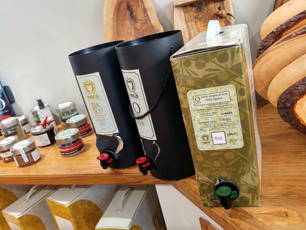 Mela', Napoli. Bag-in-box e tube-box olio e vino