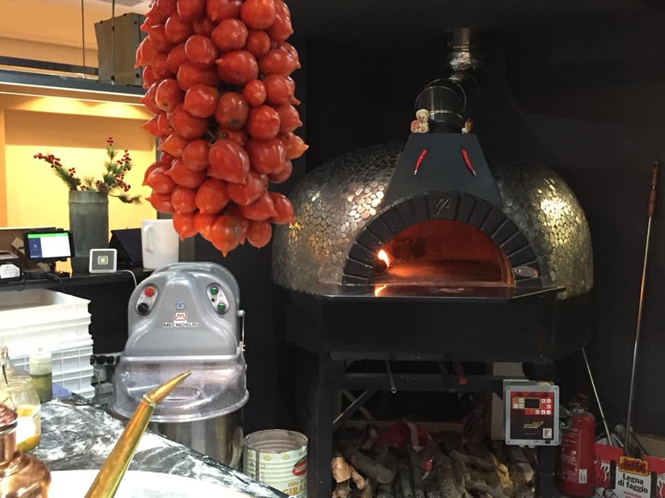 Pizzeria I Belcastro, il forno a legna