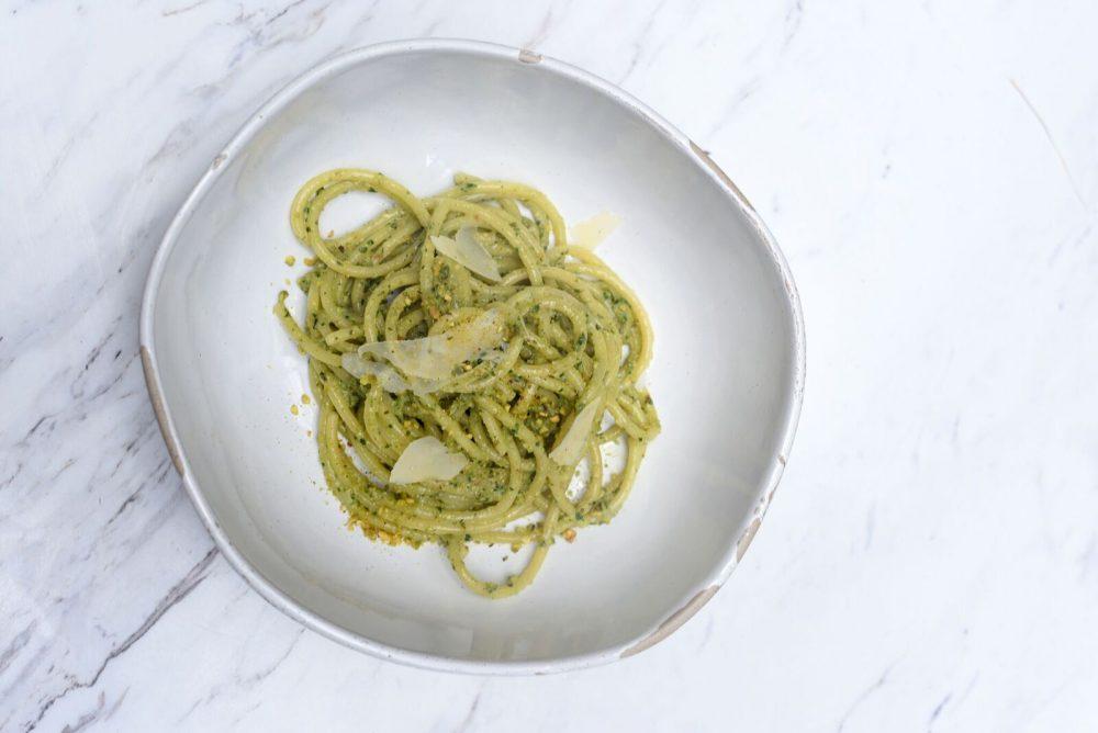 Primo di New York - Pesto di olive di Castelvetrano, pistacchi, prezzemolo, capperi, Parmigiano Reggiano, aglio e colatura di alici