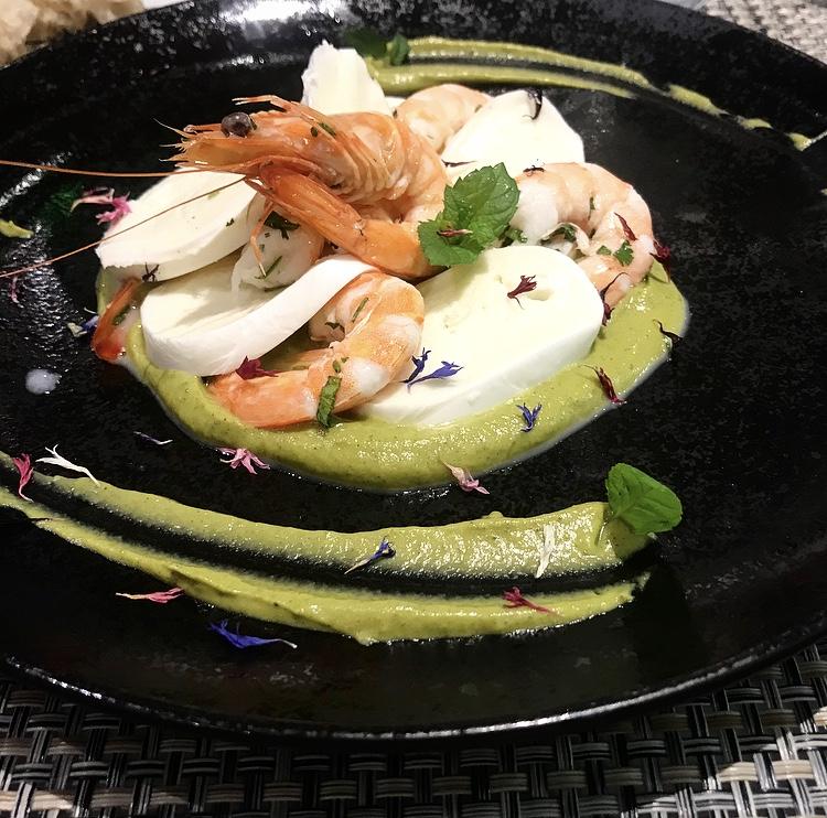 Restaurant Taste - Lasagnetta di mozzarella di bufala dop e gamberi su crema di zucchine