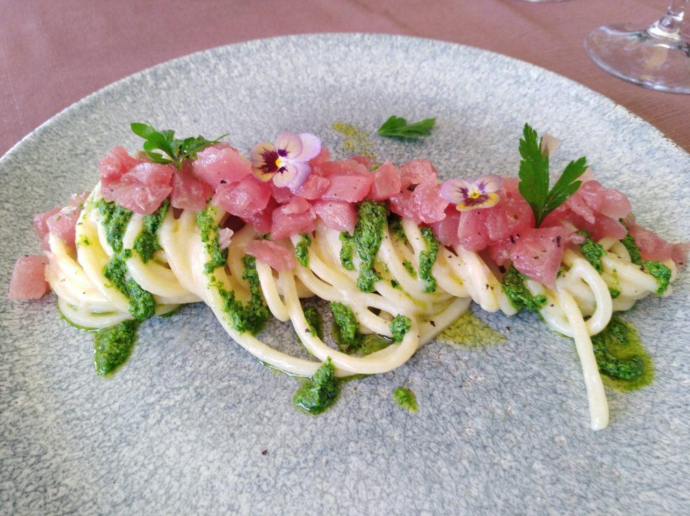 Ristorante Street Stritt Spaghettoni Cavalieri con tartare di tonno rosso