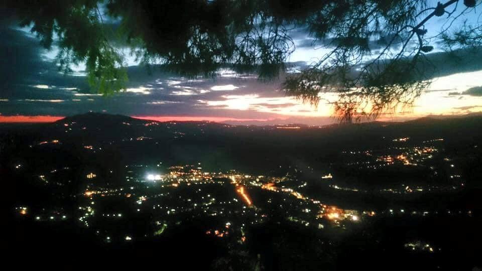 Vallo della Lucania di notte vista dal Rifugio Rosolea