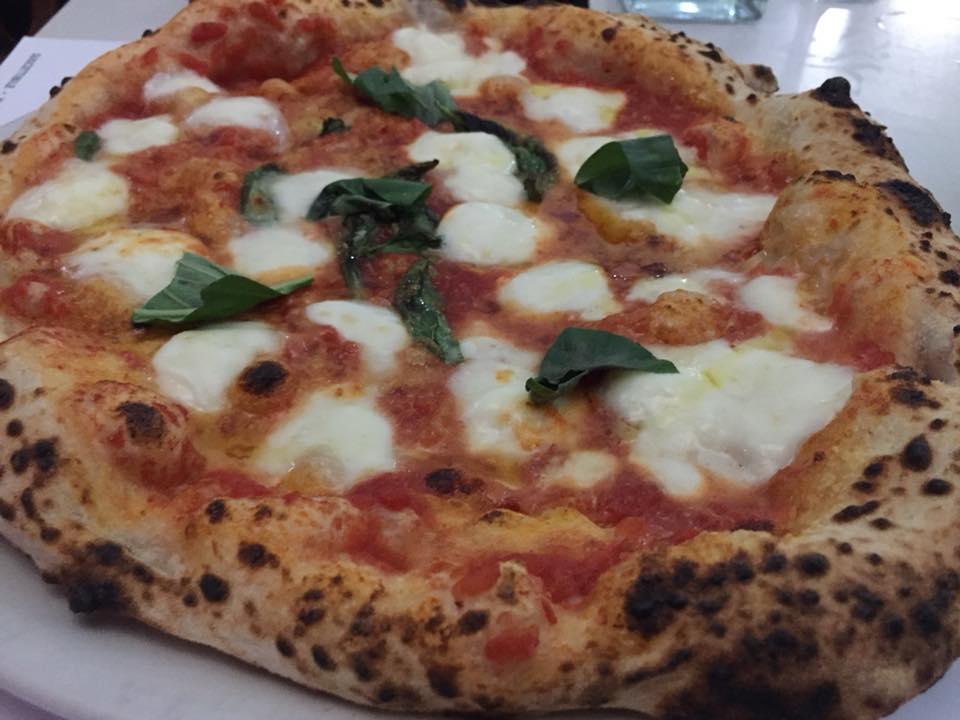 Suscettibile, Pizza e Cucina, pizza Regina