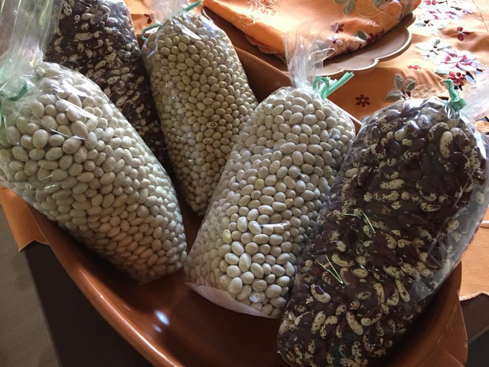 Corbella, i legumi dell'azienda agrituristica