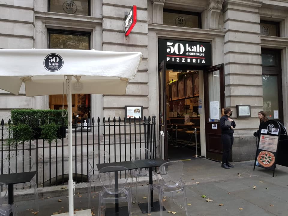 50 Kalo' Londra, ingresso