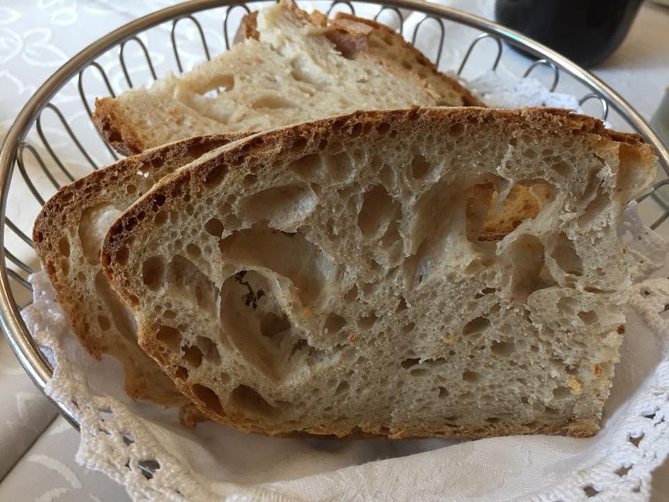 Alle Sorgenti del Calore, il pane del fornaio vicino