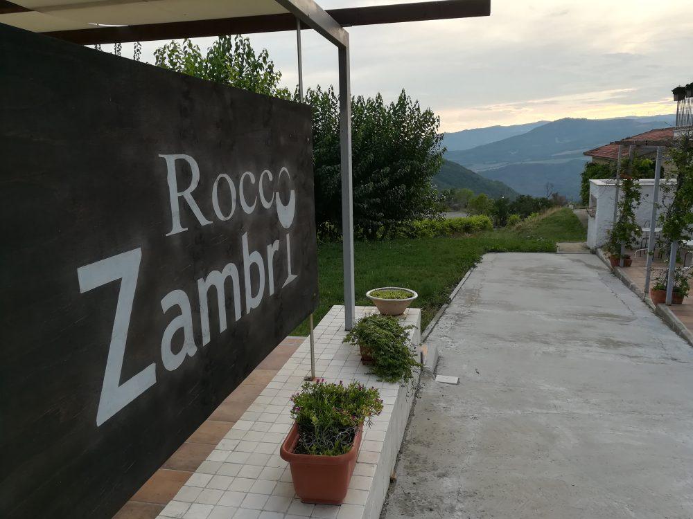 Bed & Wine Rocco Zambri - L'insegna