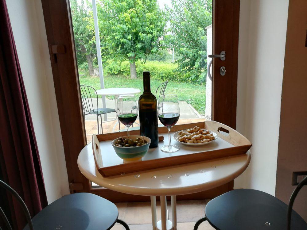 Bed & Wine Rocco Zambro - Degustazione in camera