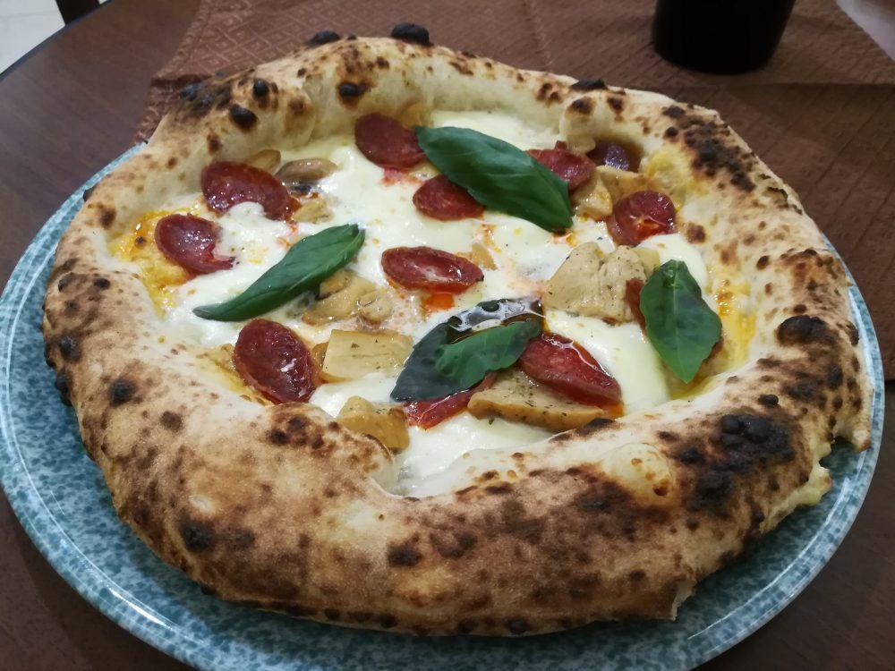 Di Stora - La Pizza con Salsiccia Rossa di Castlpoto e i Porcini