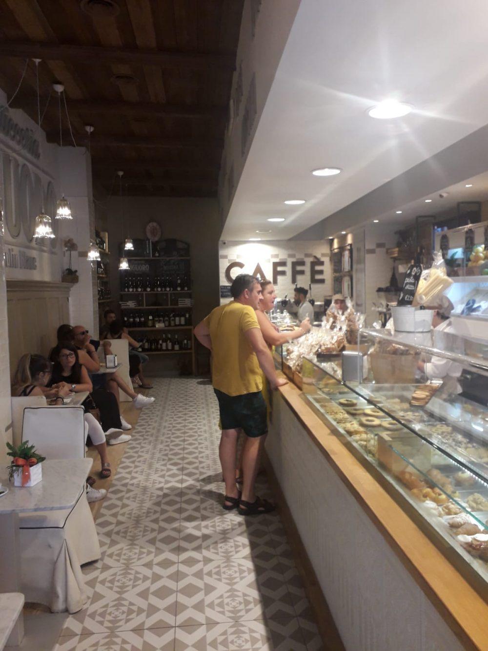 Liguoro -bar